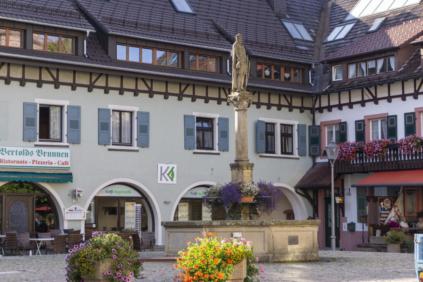 Sankt Peter Dorfplatz