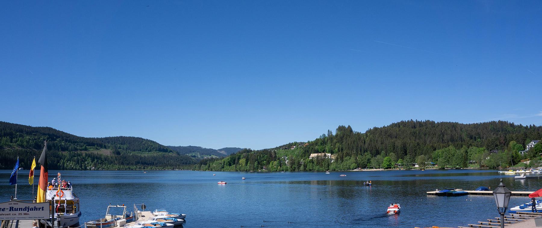 Reisetraum Schwarzwald - Blick auf den Titisee im Hochschwarzwald