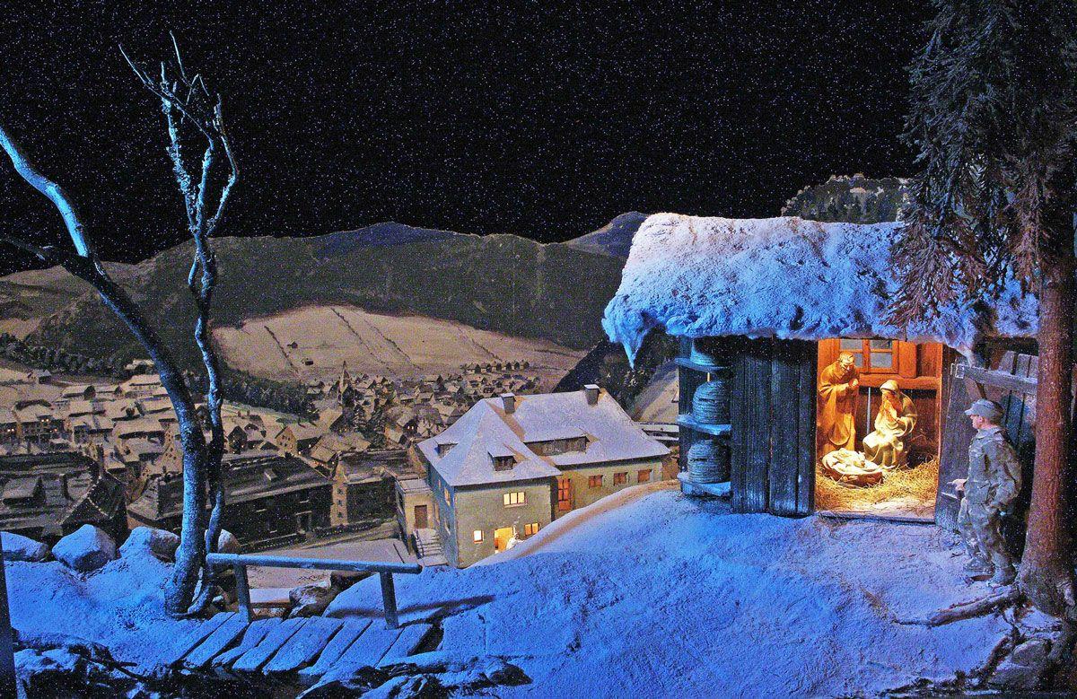 """Die """"Paradiesbergkrippe"""" von Max Scheller (1921 – 1985) aus dem Jahr 1946 ist eine der bedeutendsten Weihnachtskrippen des 20. Jahrhunderts im Schwarzwald"""